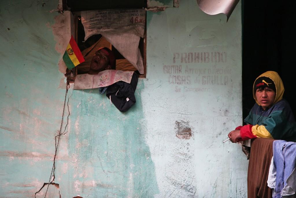 Presídio abriga cerca de 1600 presos em suas 8 seções