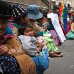 Em manifestação na Praça Murillo, centro do poder em La Paz, bolivianos pediam a saída do administrador de uma pequena região que estava no cargo há mais de 8 anos